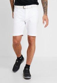 Calvin Klein Golf - GENIUS TROUSERS - Sportovní kraťasy - white - 0