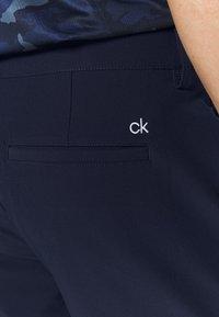Calvin Klein Golf - GENIUS TROUSERS - Sportovní kraťasy - dark navy - 4