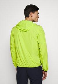 Calvin Klein Golf - ULTRA LITE JACKET - Sportovní bunda - lime - 2