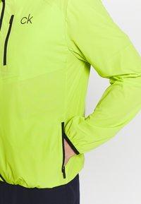 Calvin Klein Golf - ULTRA LITE JACKET - Sportovní bunda - lime - 5