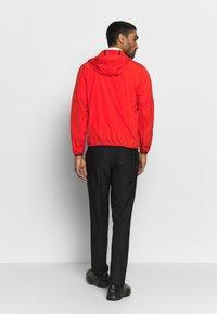 Calvin Klein Golf - ULTRA LITE JACKET - Sportovní bunda - red - 2