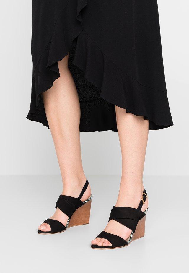JAKA - Korolliset sandaalit - noir/blanc