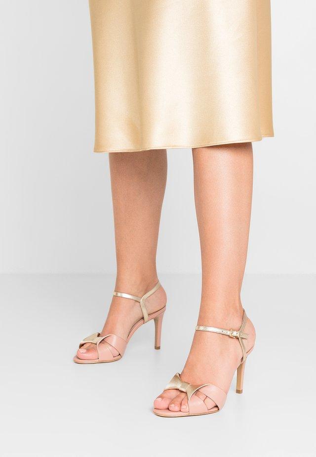 JOLI - Sandály na vysokém podpatku - nude/platine