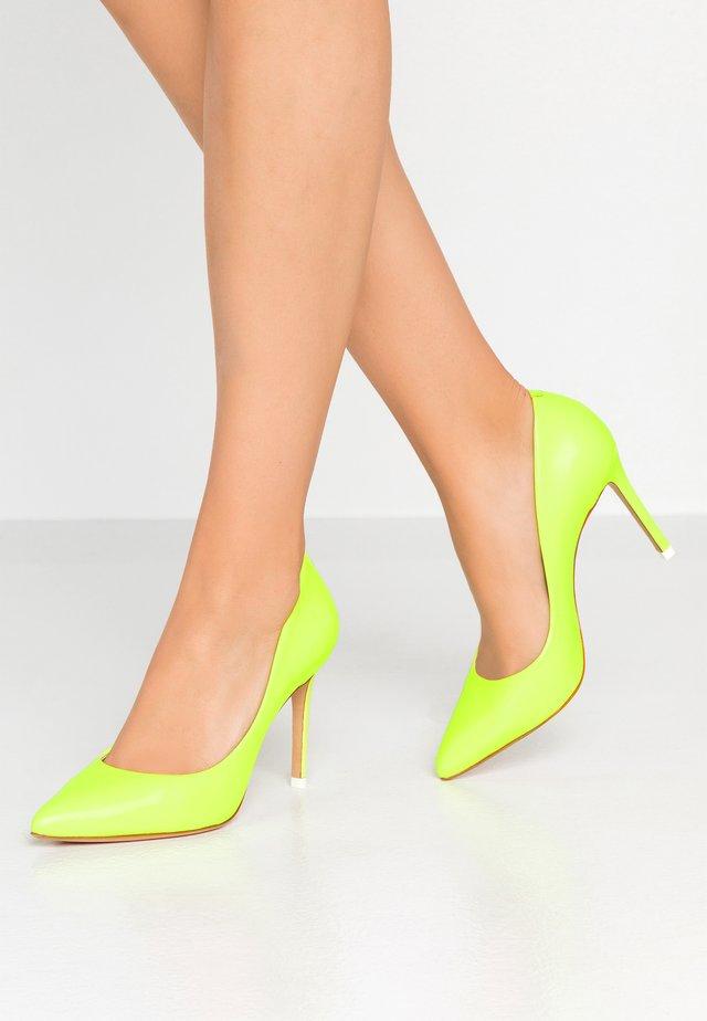 AZOA - High heels - jaune