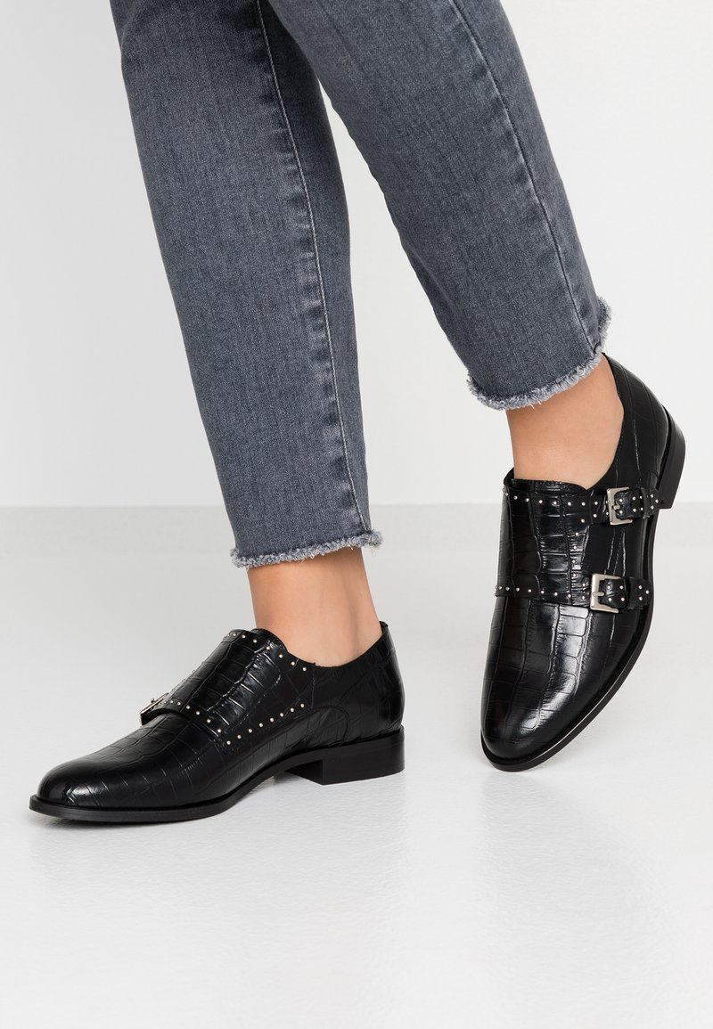 Cosmoparis - EMABI - Loafers - noir