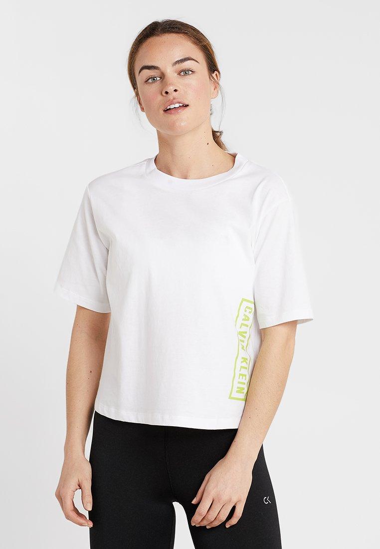 Calvin Klein Performance - LOGO SHORT SLEEVE TEE - Sports shirt - bright white