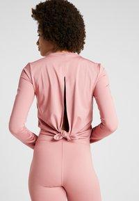 Calvin Klein Performance - LONG SLEEVE - Funkční triko - pink - 2