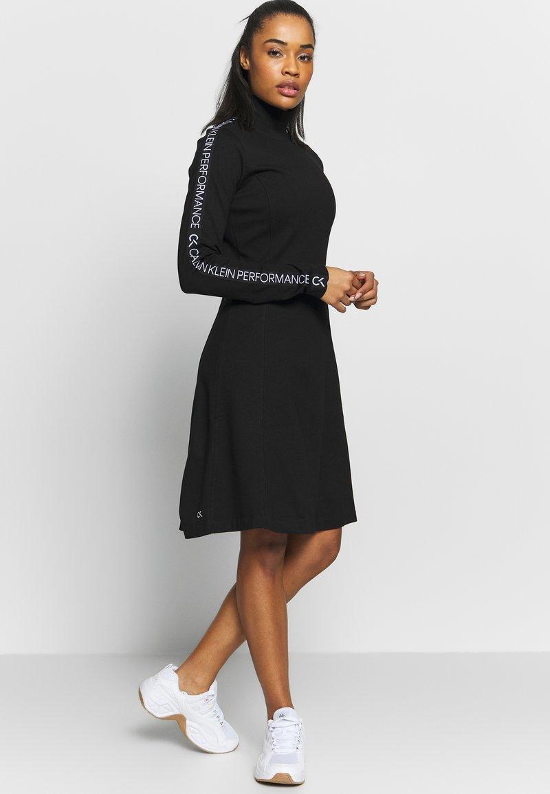 Calvin Klein Performance - LONG SLEEVE DRESS - Vestido ligero - black