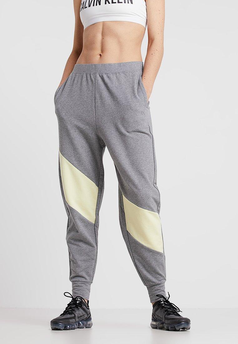 Calvin Klein Performance - PANTS - Jogginghose - medium grey heather