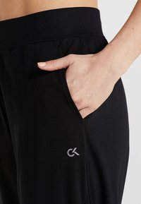 Calvin Klein Performance - PANTS - Trainingsbroek - black - 5