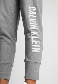 Calvin Klein Performance - PANTS - Tracksuit bottoms - grey - 3