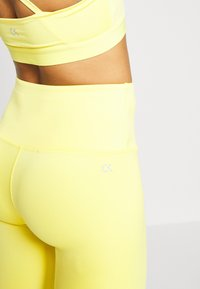 Calvin Klein Performance - FULL LENGTH - Punčochy - yellow - 5