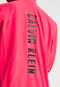 Calvin Klein Performance - Impermeabile - red - 5