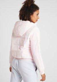 Calvin Klein Performance - LIGHT WEIGHT PADDED JACKET - Winter jacket - pink - 2