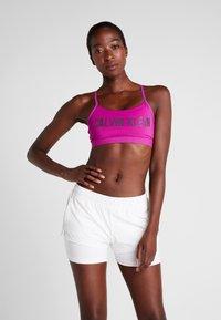 Calvin Klein Performance - ADJUSTABLE LOGO - Reggiseno sportivo - purple - 0