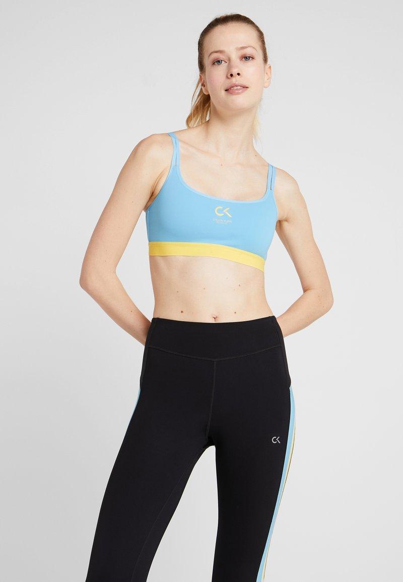 Calvin Klein Performance - LOW SUPPORT BRA - Sportovní podprsenka - bright white
