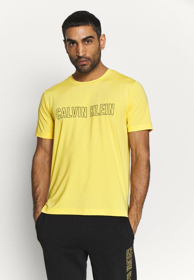 SHORT SLEEVE - T-shirt med print - yellow