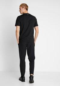 Calvin Klein Performance - PANT - Joggebukse - black - 2