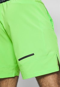 Calvin Klein Performance - SHORT - Pantaloncini sportivi - green - 3