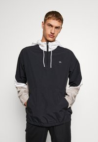 Calvin Klein Performance - HOODED JACKET - Verryttelytakki - black - 0