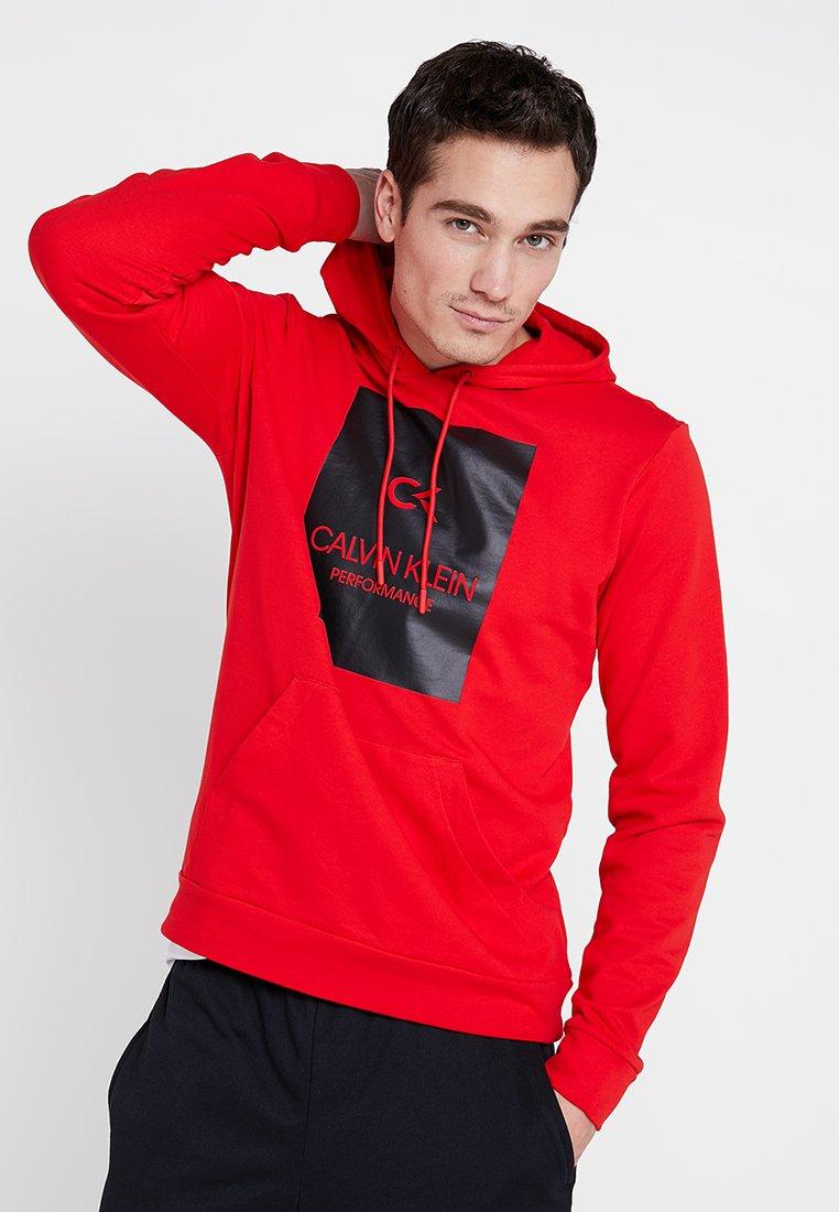 Calvin Klein Performance - HOODY - Luvtröja - high risk red/back