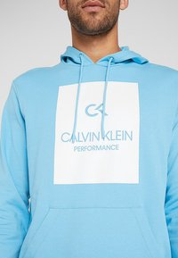 Calvin Klein Performance - HOODY - Hoodie - ethereal blue/bright white - 5