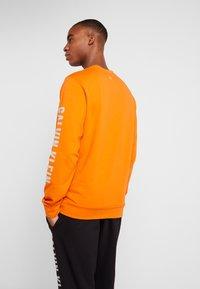 Calvin Klein Performance - Sweatshirt - orange - 2
