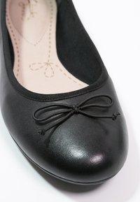 Clarks - COUTURE BLOOM - Ballet pumps - black - 2