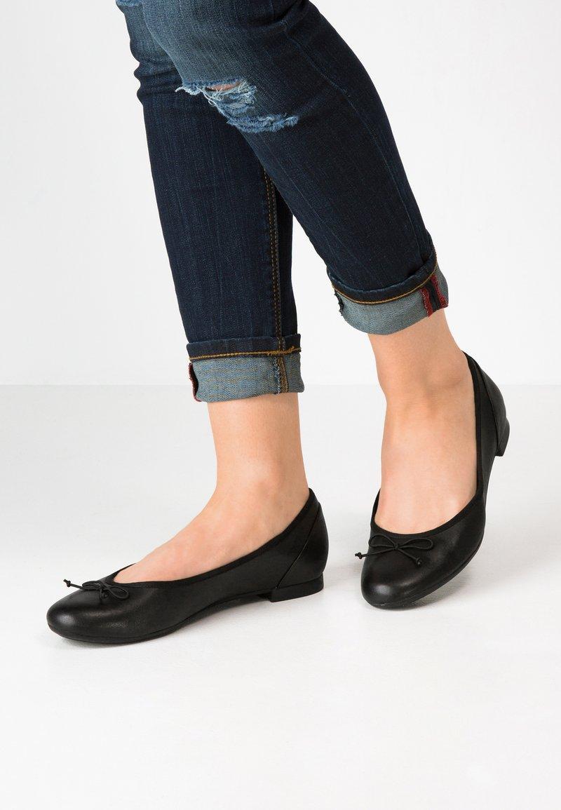 Clarks - COUTURE BLOOM - Ballet pumps - black
