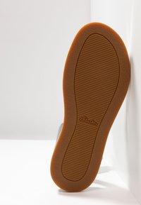 Clarks - BOTANIC IVY - Sandals - silver - 6
