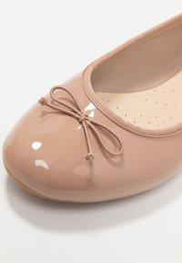 Clarks - COUTURE BLOOM - Ballet pumps - nude - 2