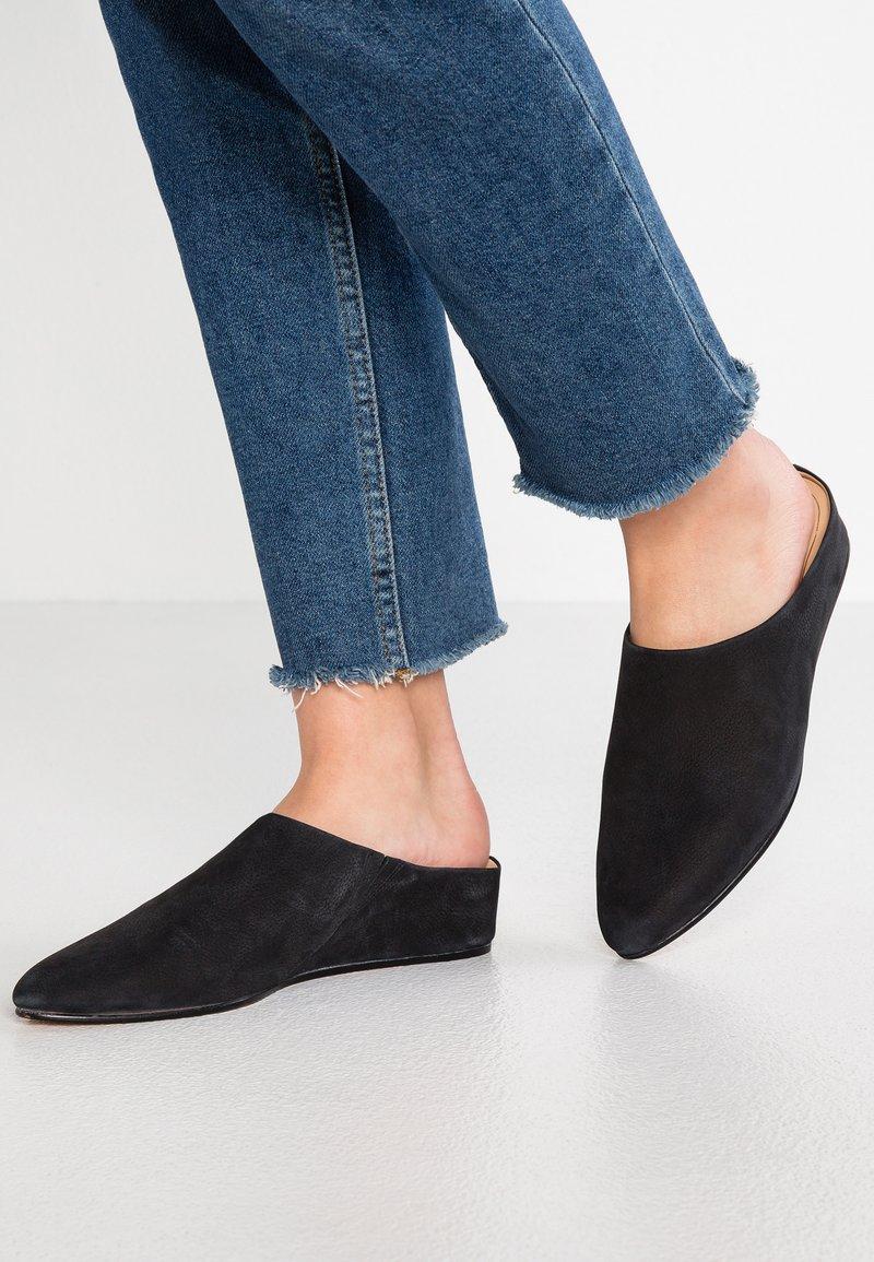 Clarks - SENSE BEAU - Sandaler - black