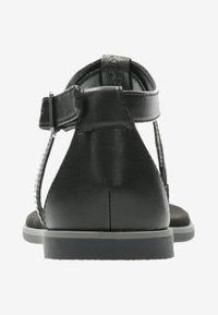 Clarks - BAY POPPY - Sandalias de dedo - black - 2