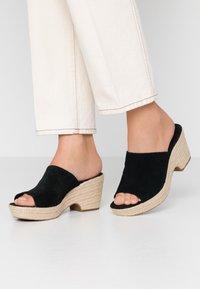 Clarks - MARITSA MULE - Pantolette hoch - black - 0