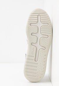 Clarks - SIFT LACE - Zapatillas - grey - 6