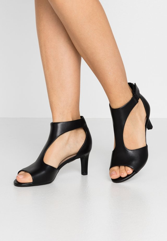 ALICE FLAME - Sandalias - black