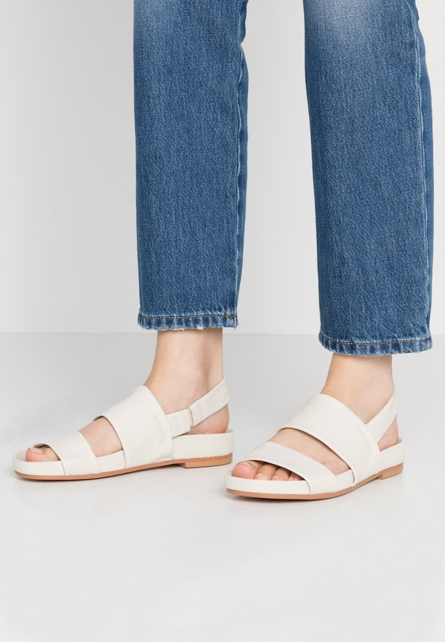 PURE STRAP - Sandalias - white