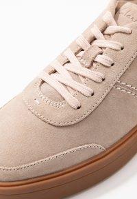 Clarks - HERO WALK - Sneakers basse - blush - 2