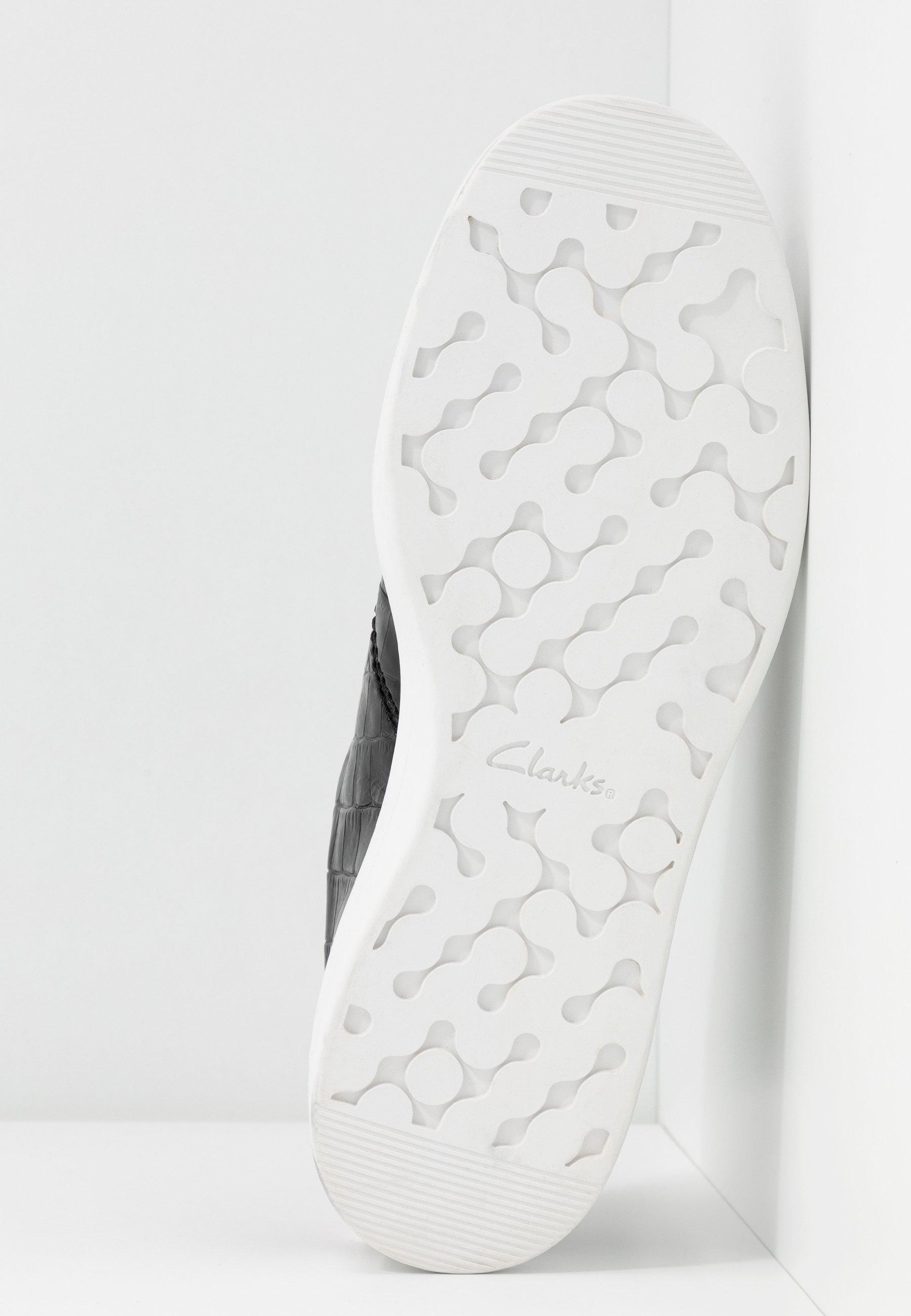 Clarks HERO WALK - Sneakers - black