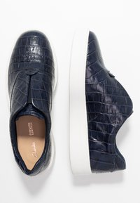 Clarks - HERO STEP - Slip-ons - navy - 3