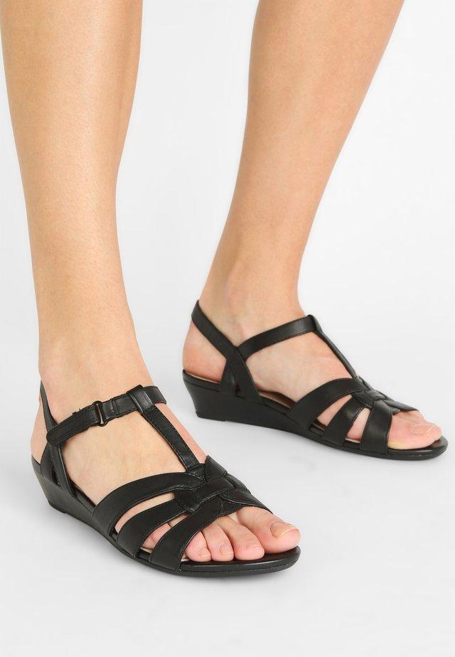 ABIGAIL DAISY - Sandales de randonnée - black