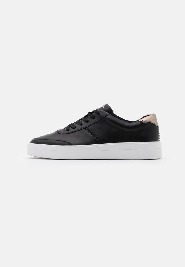 HERO WALK - Sneakers basse - black