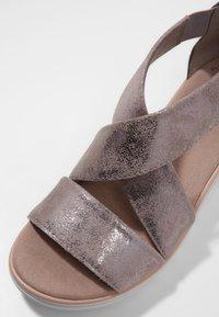 Clarks - Sandalen met sleehak - zinn-metallic - 6