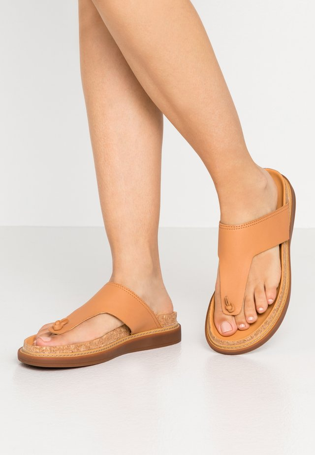 TRACE SHORE - Sandalias de dedo - light tan