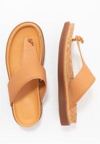 Clarks - TRACE SHORE - Sandalias de dedo - light tan - 3
