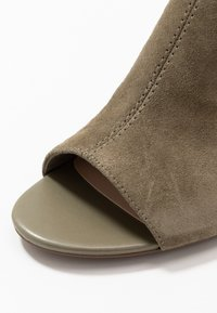 Clarks - DEVA BELL - Ankle cuff sandals - olive - 5