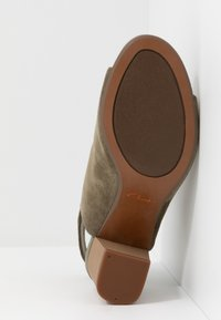 Clarks - DEVA BELL - Ankle cuff sandals - olive - 4
