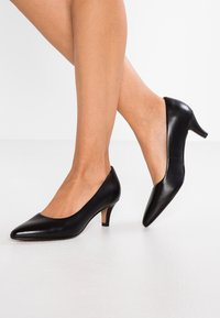 Clarks - LINVALE JERICA - Classic heels - black - 0