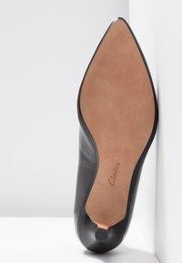Clarks - LINVALE JERICA - Classic heels - black - 6