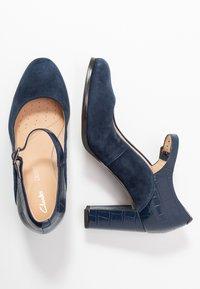 Clarks - KAYLIN ALBA - Classic heels - navy - 3